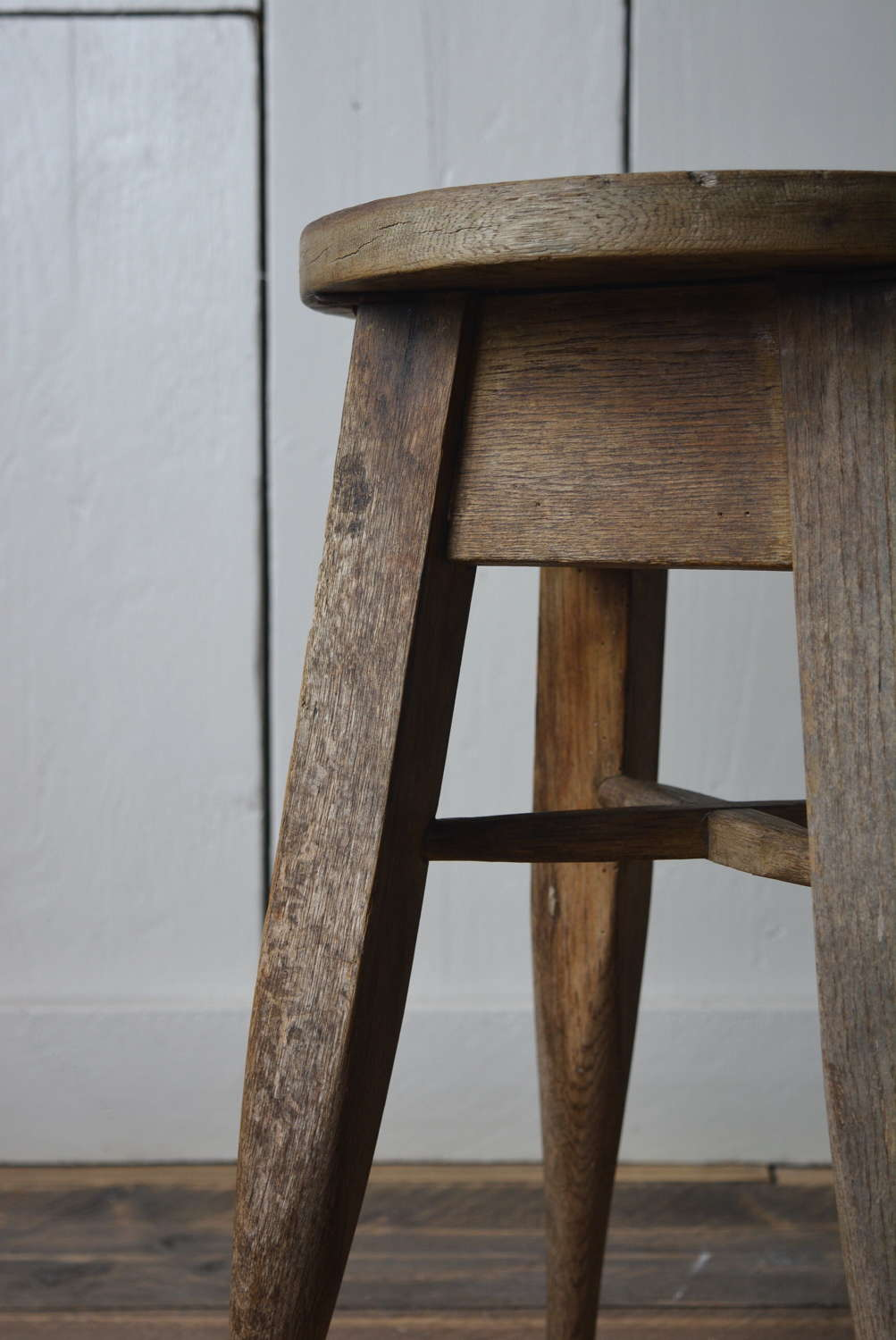 OAK ARTS AND CRAFTS STOOL