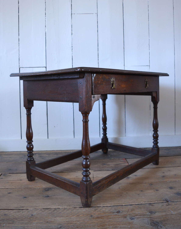 WILLIAM III OAK SIDE TABLE