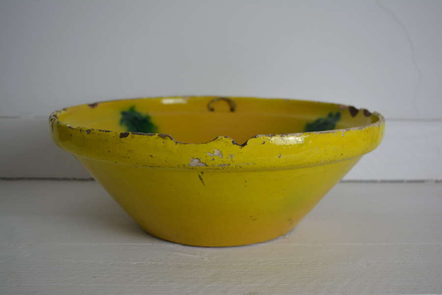 EARLY 20TH CENTURY IBERIAN GLAZED BOWL