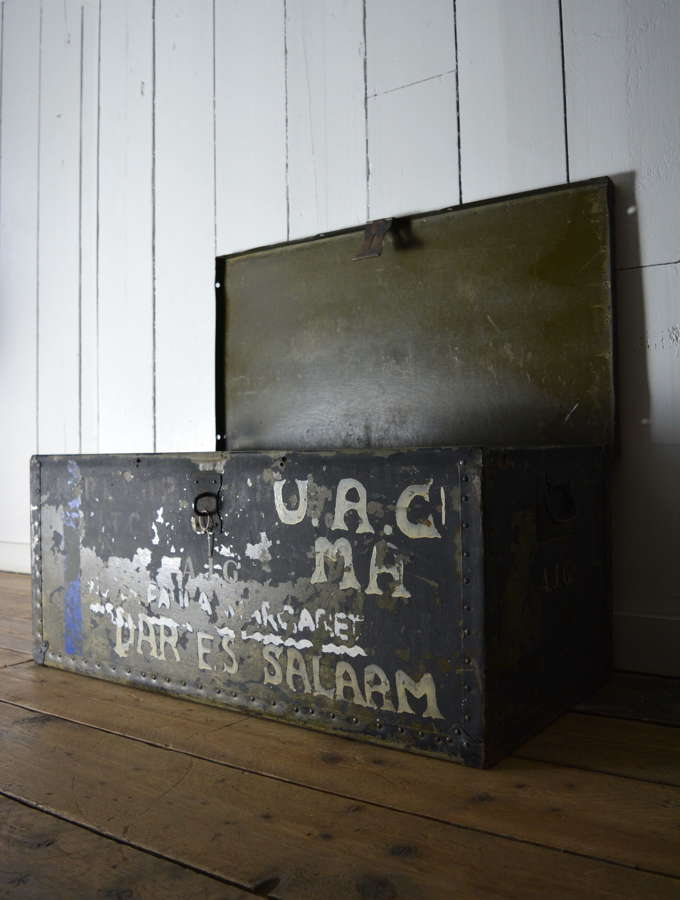 EARLY 20TH CENTURY METAL TRUNK