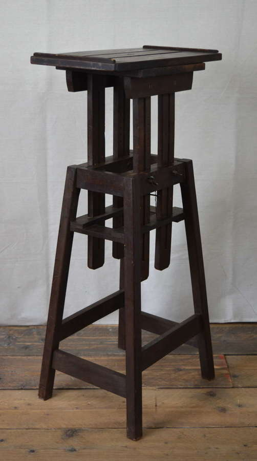 EARLY 20TH CENTURY SWIVEL TOP SCULPTORS STAND